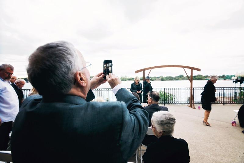 chateau-on-the-river-trenton-michigan-wedding-0214.jpg