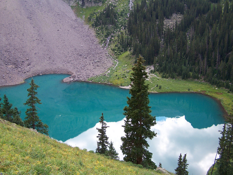 Fascinate color... The trail is thinner as it climbs to the higher lakes and Blue Lakes pass