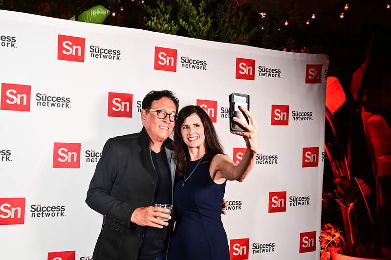 2019TLS_Cocktail_Party_419.JPG