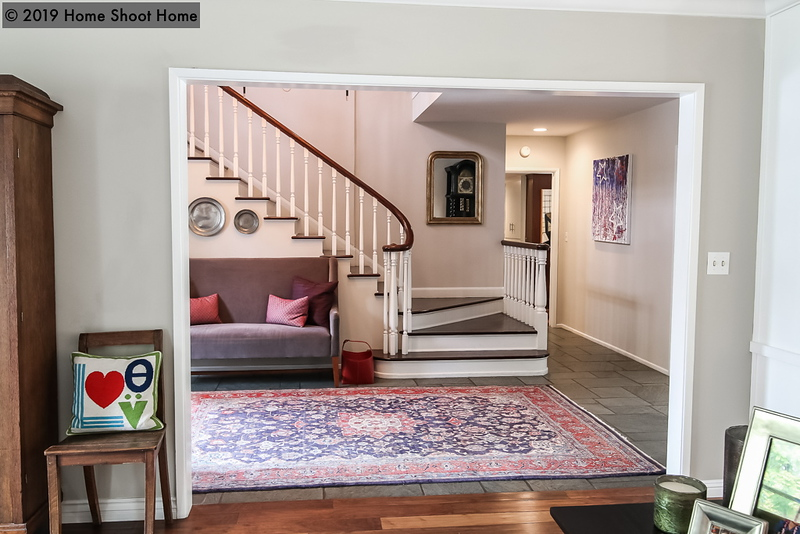 2373_06living-room-to-entrance.jpg