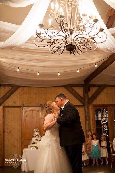 CRPhoto-White-Wedding-Social-512.jpg