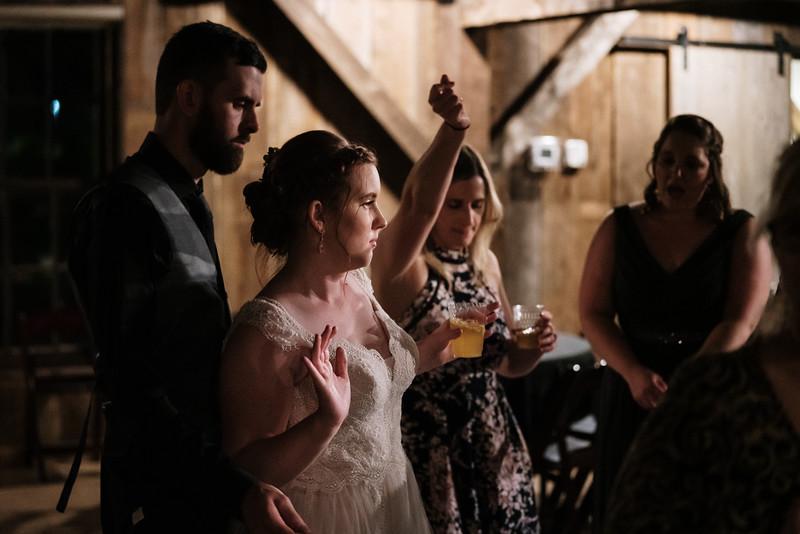 rustic_ohio__fall_barn_wedding-480.jpg