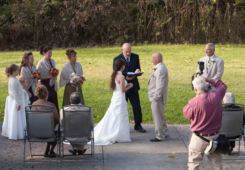 Wedding The Ring and Photographer Stone Arch Bridge, Lewistown, PA _mg_2552B.jpg