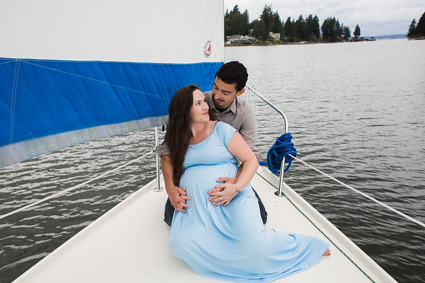 Brooke & Andrew : Maternity
