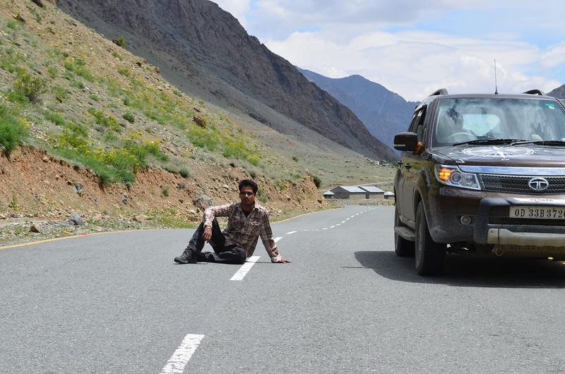 Posing On Kargil - Srinagar Road @ 11 am