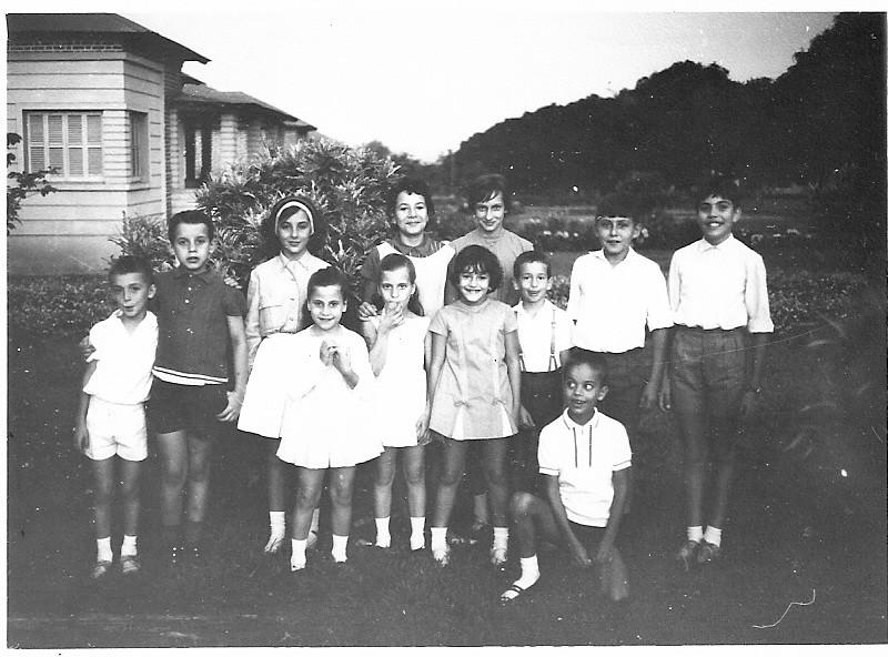 Beka Adalberto, Ze' Cardoso, Zelinha Adalberto, Isabel Caceiro, Melita Correia de Oliveira e irmao Armando, Cristina e Paula Libório, Lili Caceiro, ???