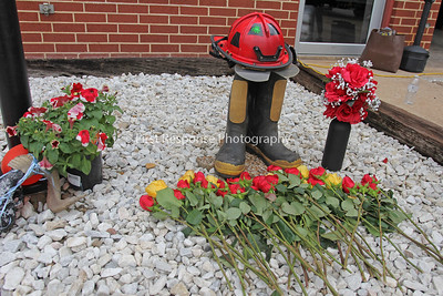 Cash Texas. Show of respect for Firefighter Jett Adams 11/9/16