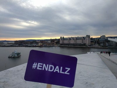 Traveling ALZ sign