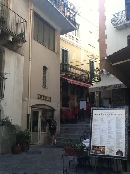 20110812-Ginka-Sicily-20110812--IMG_1099--0228.jpg