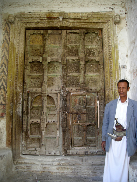 the gate keeper to the Al-Ashafiya Mosque