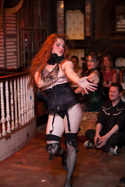 Bella A Go Go's Dark Pearl Burlesque @ TheLiquor Rooms Dublin