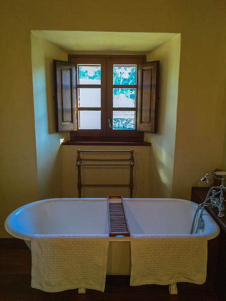 charming-villas-costa-brava-spain-8.jpg