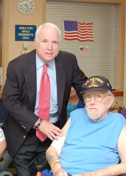 Sen McCain PVAHCS Visit 5-1-2010 5-24-48 PM.JPG