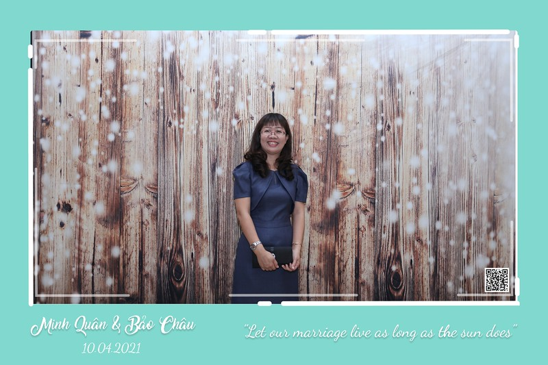 QC-wedding-instant-print-photobooth-Chup-hinh-lay-lien-in-anh-lay-ngay-Tiec-cuoi-WefieBox-Photobooth-Vietnam-cho-thue-photo-booth-093.jpg