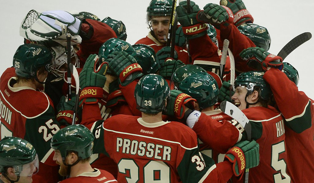 ". <p>1. MINNESOTA WILD <p>Have won only 4 of their last 16 playoff games, so forgive us if we don�t jump on the bandwagon just yet. (unranked) <p><b><a href=\'http://www.twincities.com/sports/ci_25526559/tom-powers-playoffs-will-make-or-break-wilds?source=rss\' target=""_blank\""> HUH?</a></b> <p>   <p>OTHERS RECEIVING VOTES <p> Derrick Gordon, Lois Lerner, Iowa State, Hank Aaron, Cris Carter�s wife, Ultimate Warrior, Rex Chapman, Brandon Spikes, DeSean Jackson�s vacation, Toyota, school stabbings, Adam Jones, San Antonio Spurs, Ian Thorpe, Notre Dame Fighting Irish, Oscar Pistorius, Lindsay Lohan, Al Sharpton, Dante Cunningham, nursing homes, NYPD-FDNY hockey brawl, Connecticut Huskies, Kentucky Wildcats, Evan Reed, ebola, Joe Dumars, Windows XP, Omar Infante�s face, Gwyneth Paltrow & Chris Martin, Wrestlemania 30, Demi Lovato, falling drones, HBO Go, Tom Sermanni, AirAsia. <p> <br><p><i> You can follow Kevin Cusick at <a href=\'http://twitter.com/theloopnow\'>twitter.com/theloopnow</a>.</i>    (Pioneer Press: John Autey)"