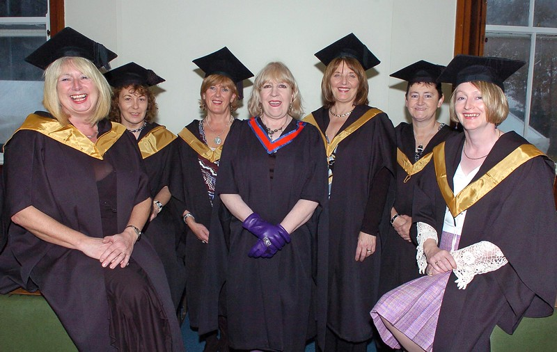 Provision 251006 Pictured L-R are mature students Maura McGoldrick (Waterford), Marie Swaby (Waterford), Bernie Tobin (Dunmore East), tutor Mairin Grant (Dunmore East), Marie Roche Kelly (Waterford), Angela O'Hanlon (Co. Kilkenny) and Anne Murphy (Portlaw) graduated from WIT yesterday (Tuesday) with a FETAC Certificate in General Studies in Art & Design. PIC Bernie Keating/Provision