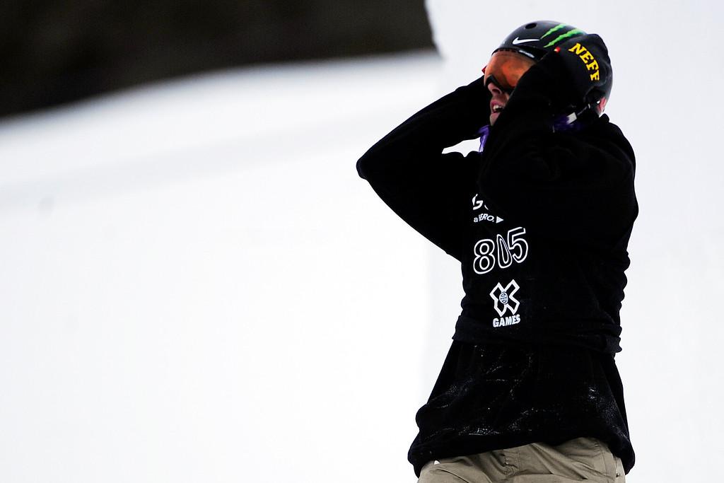 . ASPEN, CO. - JANUARY 24: Sage Kotsenburg reacts to falling during the men\'s Snowboard Slopestyle elimination. Men\'s Snowboard Slopestyle elimination X Games Aspen Buttermilk Mountain Aspen January 24, 2013. (Photo By AAron Ontiveroz / The Denver Post)
