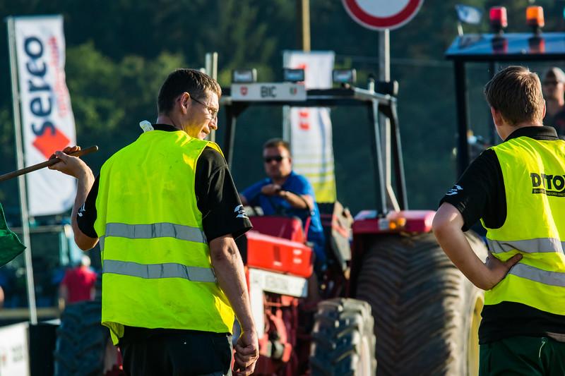 Tractor Pulling 2015-9039.jpg