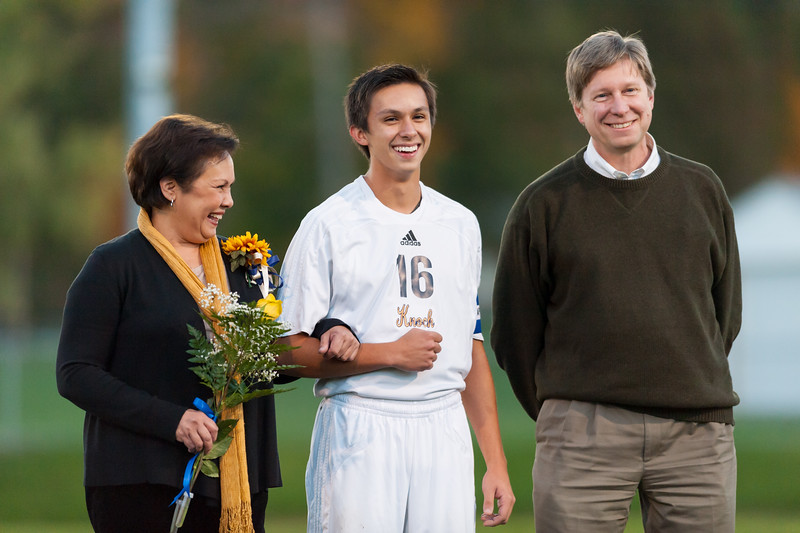 Knoch Senior Night-57.jpg
