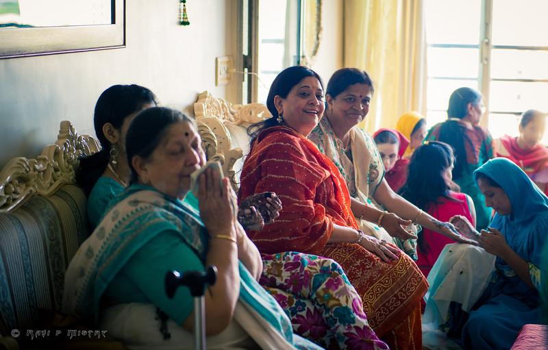 Jay Pooja Mehandi-32.jpg