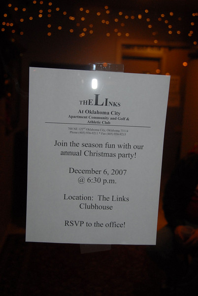 "The Links Holiday ""Rent Give Away"" Party. Dec. 6, 2007."