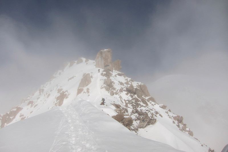 Durny above me on the way back to C3 (14,200ft = 4.328m). Snow started.