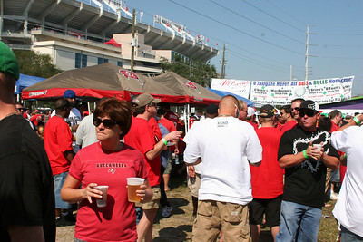 ULTIMATE  Tailgate Party Bucs VS Cards