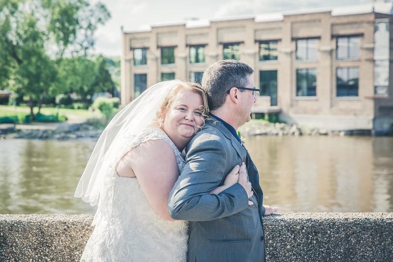 Beloit-WI-Ironworks-hotel-Wedding-Photographere_m_70.jpg