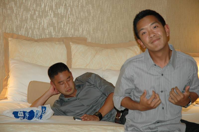 Hawaii - Friends Hotel Party-9.JPG