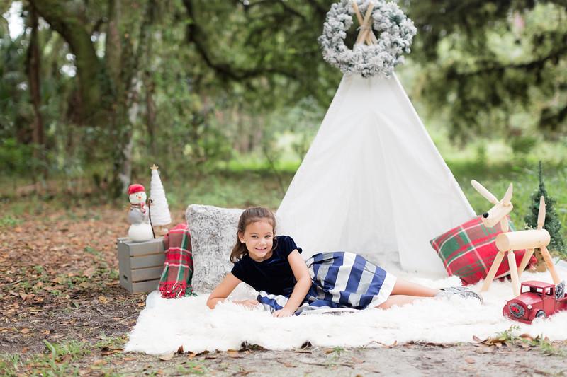 Holiday Minis- Scarth Family-101.jpg
