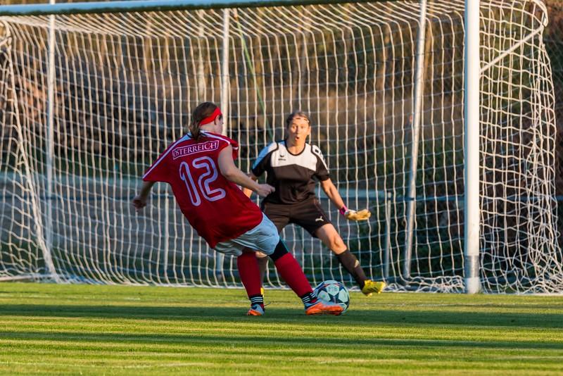 FC Pingau-Friedberg Damenmannschaft-60.JPG