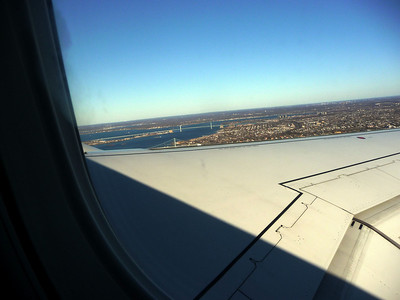 2011-03-07 flying from Laguardia over Westchester