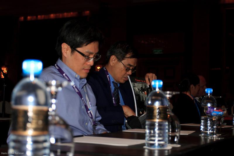 Dr Saw Ming Hong and Prof SK Cheong