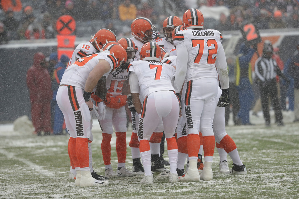 . Cleveland Browns quarterback DeShone Kizer (7) huddles the offense against the Chicago Bears during an NFL football game in Chicago, Sunday, Dec. 24, 2017. (AP Photo/Charles Rex Arbogast)