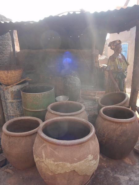 021_Bobo-Dioulasso. Kibidwe. Beer Production, Step 2. Boiling.jpg