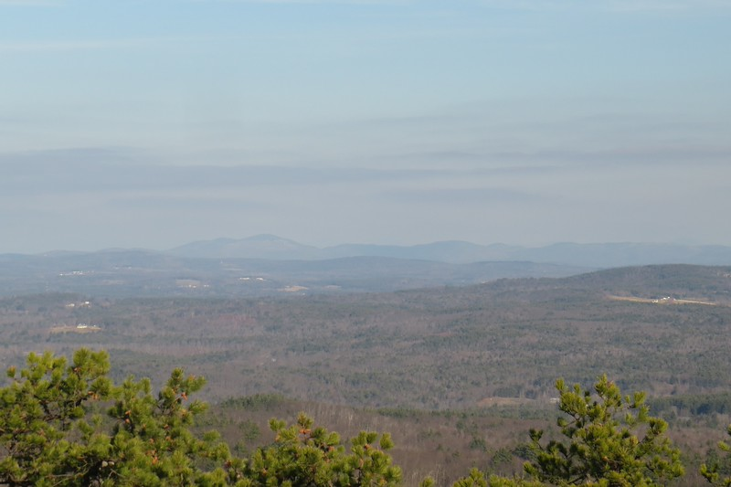 Kearsarge and Ragged. Kinda hazy today..JPG