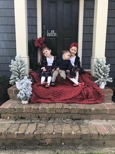 2020 Easter pics Audri, Delaney and Mason