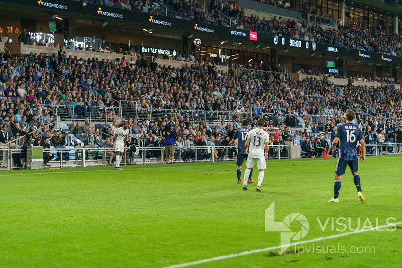 Players on the pitch at Allianz Field