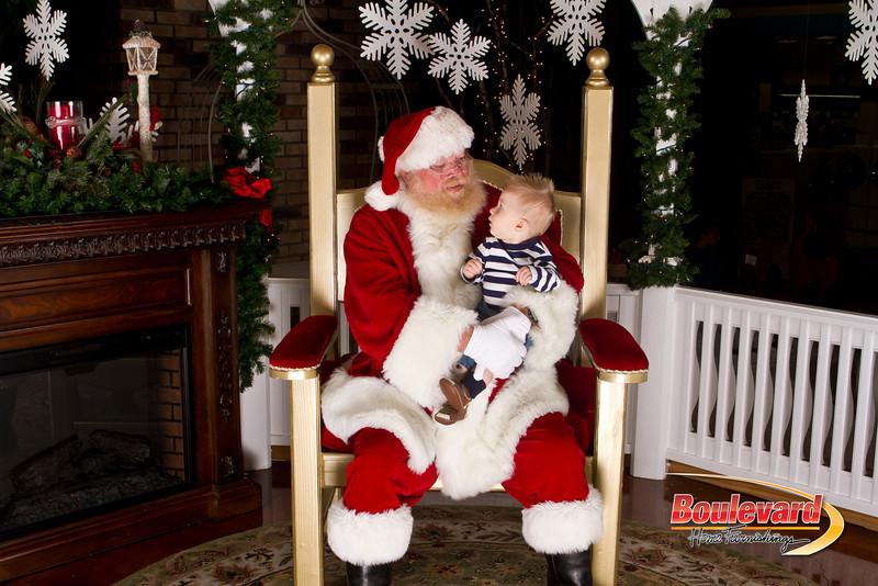 Santa Dec 15-282.jpg