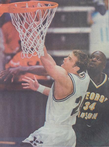 UNCW Basketball 99-00-10.jpg