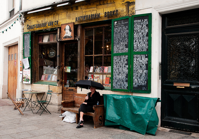 English bookstore in Paris
