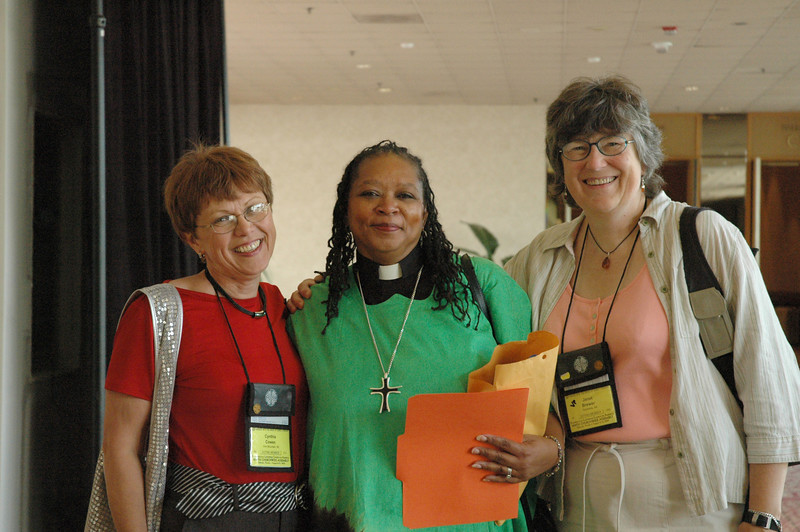 Cindy Cowen, Pr. Victoria Hamilton and Janet Brewer