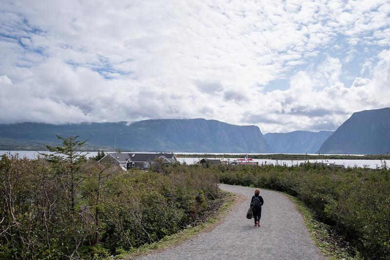 3 KM walk to Western Brook Pond