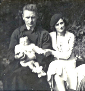 1936 - Mam & Dad with Baby Drew