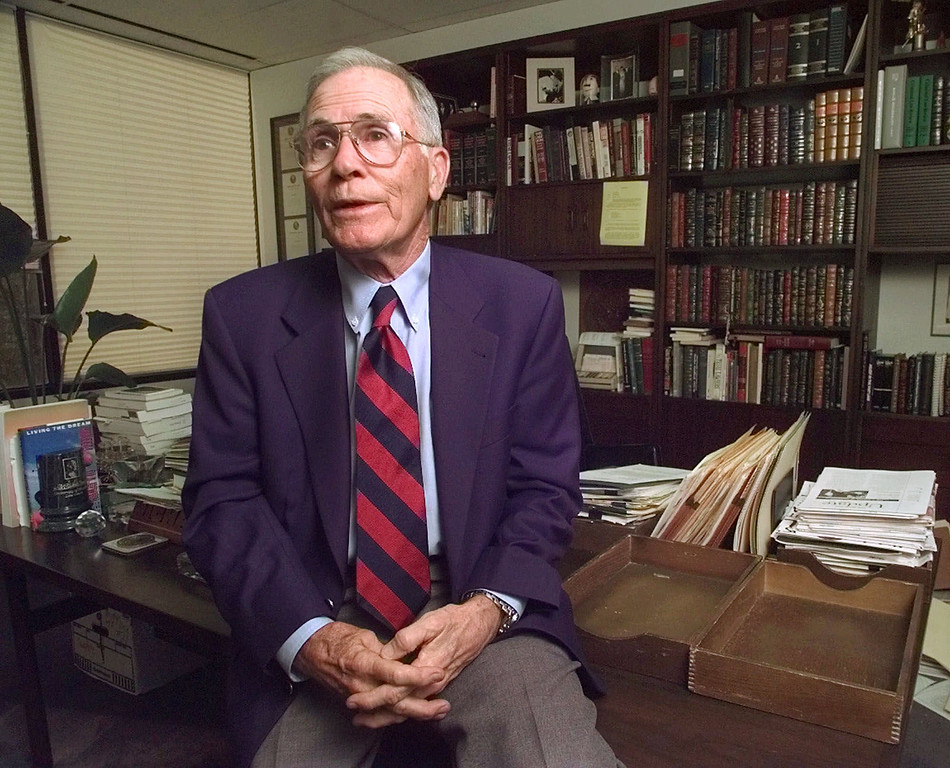 """. Famed defense attorney Richard \""""Racehorse\"""" Haynes, former lawyer for John Hill, talks about the \""""Blood and Money\"""" trial during an interview at his Houston office March 10, 1999. Haynes said \""""It had everything in it: the doctor, the socialite, high society.\"""" Haynes died April 28 at age 90. (AP Photo/David J. Phillip)"""