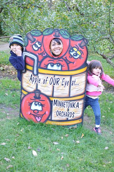 2014-10-04 Minnetonka Orchards 032.JPG