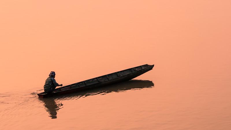 mekong fisherman sunset2.jpg