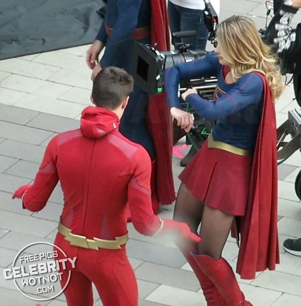EXC: Melissa Benoist + Grant Gustin On Set Dance Moves