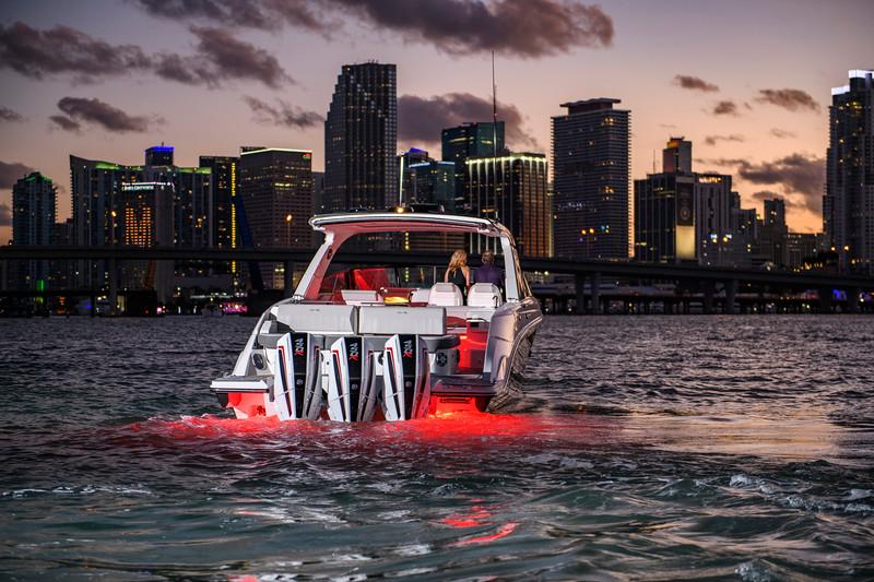2021-SLX-R-400-e-Outboard-profile-12.jpg