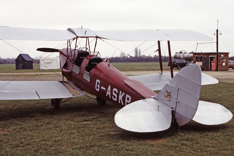 G-ASKP-DH-82ATigerMoth-Private-EGKH-1998-02-19-EI-28-KBVPCollection.jpg